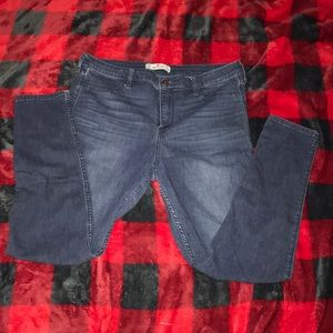 Hollister Jegging style jeans
